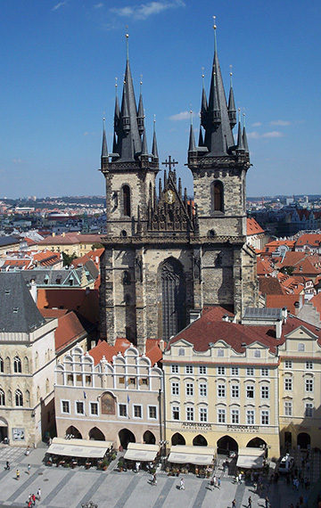 7-10 day-escorted-tours-old-town-church-prague